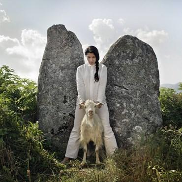 , Marina Abramovic, Holding the Goat, 2010, 49371