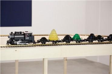 , Leila Pazooki, Hana's Toy Train, 2016, 6396