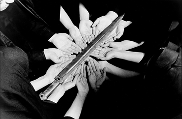 , Shirin Neshat, All Demons Flee, 1995, 50623