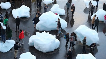 24 ice blocks are melting in London to highlight climate change